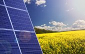 Solar panels with beautiful landscape — Stock Photo