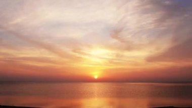 Beautiful sunrise over sea — Stock Video