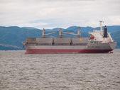 Cargo Ship on the Columbia River at Astoria Oregon USA — Stock fotografie
