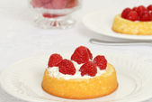 Macro raspberry shortcake — Stock Photo