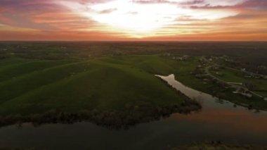 Sunset over Kentucky countryside — Stock Video