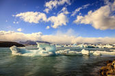 Icebergs floating in Jokulsarlon Lagoon — ストック写真