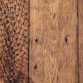 Hanging Fishnet on Wood Wall — Stockfoto
