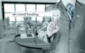 Businessman and crowd funding in search bar — Stockfoto