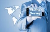 концепция бизнес бизнесмен показаны на смартфоне - онлайн-опрос — Стоковое фото