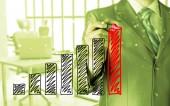 Hombre de negocios dibujar un gráfico de crecimiento — Foto de Stock
