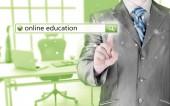 Educación en línea, escrito en la barra de búsqueda en pantalla virtual. — Foto de Stock