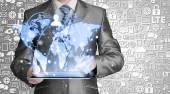 Affärsman som använder tabletpc — Stockfoto