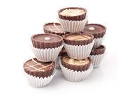白い背景に暗いチョコレート — ストック写真