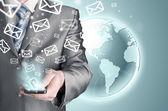 商人发送电子邮件 — 图库照片