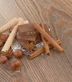 Chocolate, nozes e especiarias — Fotografia Stock