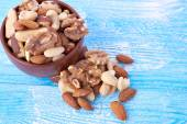Mix of nuts in bowl — Stock Photo
