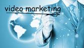 Mężczyzna pisania wideo marketingu — Zdjęcie stockowe