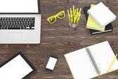 Ноутбук и управление вещи — Стоковое фото