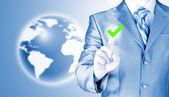 Pressionar o botão empresário — Fotografia Stock