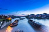 Busy waterway transport in china south — Stock Photo