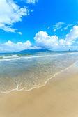 Blue sky and beach in vietnam — ストック写真