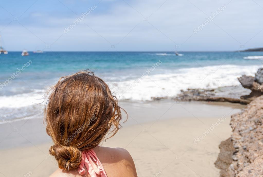 дикий пляж девушки фото