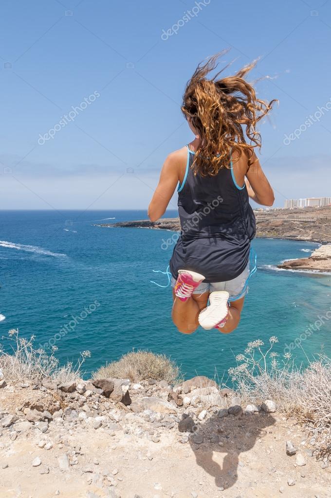 фото пляж девушки дикий