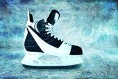 Man's hockey skates — Stock Photo