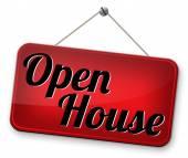 Modell-Haus in der offenen Tür für den Verkauf — Stockfoto