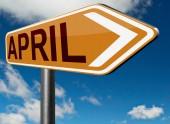 Signo de carretera de abril — Foto de Stock