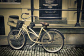 Old fashined bike — Stock Photo