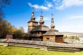 Деревянные церкви, музей украинской деревни — Стоковое фото