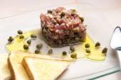 Fresh tuna tartar — Stock Photo