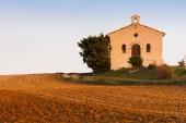 Chapel with field, Plateau de Valensole, Provence, France — Stock Photo