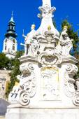 The plague column and castle in Nitra — Stock Photo