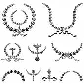 Set of highly detailed vector wreaths. — Stock Vector