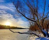 Winter scene on frozen lake — Stock Photo