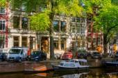 Амстердамбелые коробки для пиццы и белый контейнеров для кола с трубочка — Стоковое фото