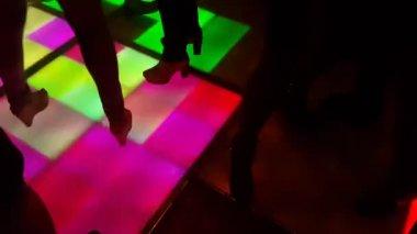 People dancing on the dance floor in a nightclub — Stock Video