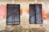 Windows shutters closed — Stockfoto