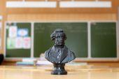 Pushkins sculpture on the desk — Stock Photo