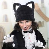 Krásná herečka oblečený jako kočka — Stock fotografie