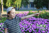 Cute little boy pointing — Stock Photo