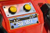 Zářivě červená arkáda stroj — Stock fotografie