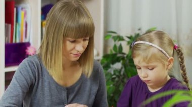 Mor och dotter Rita — Stockvideo