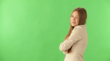 Cheerful young woman posing — Stock Video