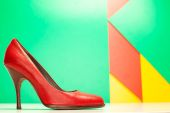Red high heels shoes — Stock Photo