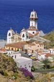 镇和在特内里费岛坎德拉里亚教堂 — 图库照片