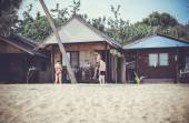 View on bungalow with friends at Maenam beach in koh samui, thailand — Stock Photo
