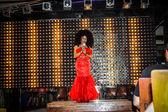 KOH SAMUI, THAILAND 2013, 2 APRIL Transvestites sing in Chaweng nightclub — Stock Photo