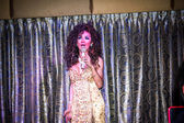 KOH SAMUI, THAILAND 2013, 2 APRIL Transvestites sing in Chaweng nightclub — Stock Photo