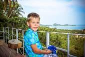 Boy traveler on the mountain viewing platform in Koh Samui — Stock Photo