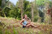 Young woman posing in Koh Samui jungle. Thailand — Stock Photo