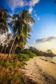 Beautiful sunset above the sea on Koh Phangan — Stock Photo